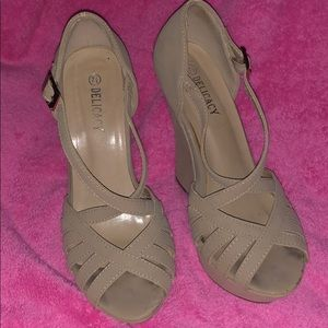 Tan wedges used condition